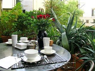 Perfect Santa Croce-Quiet Terrace-Stunning Frescos - Florence vacation rentals