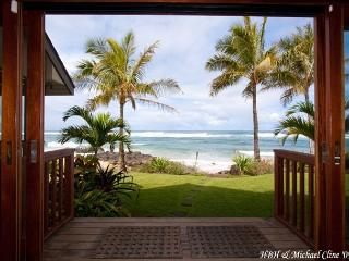 Absolute Luxury on Sublime North Shore Beach, for groups that expect the best - Punaluu vacation rentals