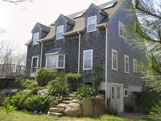 1421 - WONDERFUL EDGARTOWN VACATION HOME LOCATED CLOSE TO BIKE PATH, BEACH AND TOWN - Image 1 - Edgartown - rentals