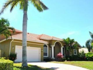 Front of the Home - Amber Dr - AMB795 - Spacious Waterfront Home! - Marco Island - rentals