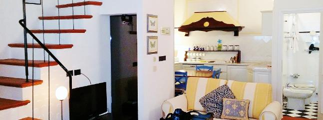 Elegant Apartment at Lamberti from Windows on Italy - Image 1 - Florence - rentals