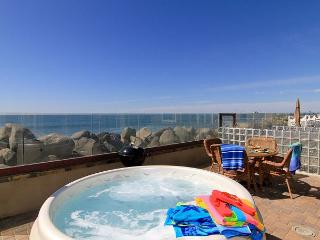 Oceanfront rental with 4br/4ba, private spa, ocean patio, bbq - Oceanside vacation rentals
