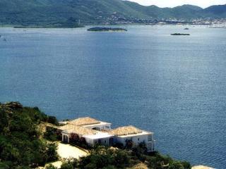 Enjoy views across Simpson Bay Lagoon and the Caribbean Sea from this traditional Caribbean villa. C SEY - Terres Basses vacation rentals