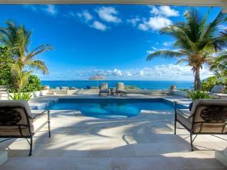 Prime St. Martin honeymoon villa on Baie Rouge Beach. C WOO - Baie Longue vacation rentals
