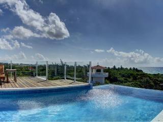 Amazing 2 Bedroom Condo in Playa del Carmen (LV6) - Playa del Carmen vacation rentals