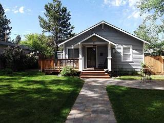 Downtown bungalow with originial art, hot tub and big fenced yard!! - Oretech vacation rentals