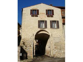 front of house - Porta San Donato in Gualdo Tadino, Perugia, Umbria - Gualdo Tadino - rentals