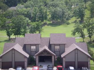 Family Reunion & Large Groups, Easy Elderly Access - Branson vacation rentals