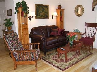 Carriage House, Historic Cottage/Downtown Lakeport - California Wine Country vacation rentals