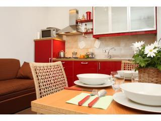 RentInTestaccio - Lanuvio vacation rentals