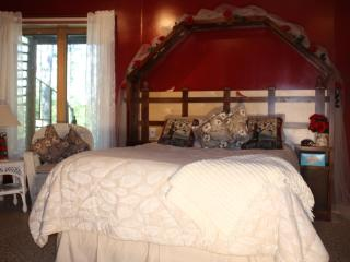 MY LAKE HOME BED N BREAKFAST AND TREE HOUSE SPA - Squaw Lake vacation rentals
