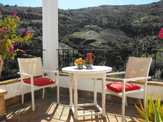 Romantic cottage with great views and  free WiFi - Villanueva de la Concepcion vacation rentals