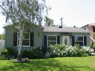 Charming Universal Studios/Burbank House! - Burbank vacation rentals