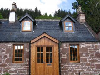 1 Kinnettas Cottages Strathpeffer Scotland - Contin vacation rentals