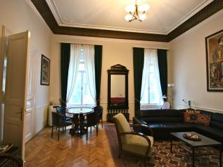 Apt. Max - Mitteleuropean Luxury, Jan/Feb Bargains - Budapest vacation rentals