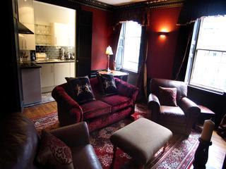 The Thistle apt, 250 metres to Princes Street - Image 1 - Edinburgh - rentals