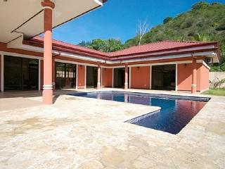 Villa outside Jaco in tranquil setting, private pool, garden, rainforest view - Jaco vacation rentals