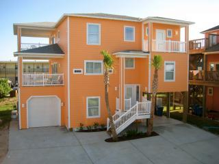 Front - 2 boardwalks, views, pool, steps from beach, 5 bdr - Port Aransas - rentals