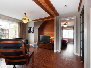 FUN!!!   FUNKY!!!   FABULOUS!!! - Vancouver vacation rentals