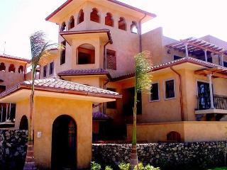 Exquisite pool level condo - Great location! - Tamarindo vacation rentals
