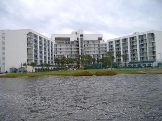 Gulf Shores Surf and Racquet Club overlooking Little Lagoon - JUNE 29, 30 &JULY 1 AVAIL AND JULY 21, 22, 23 & 24 - Gulf Shores - rentals