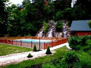 Outside Pool with Waterfall - It Has It All U'All Mins Dollywood 2 Pools, Wifi,M - Pigeon Forge - rentals