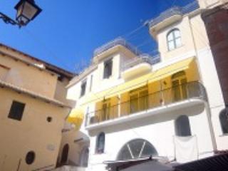 Appartamento Marilena A - Amalfi vacation rentals