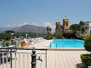 Villa Crispina A - Image 1 - Colli di Fontanelle - rentals