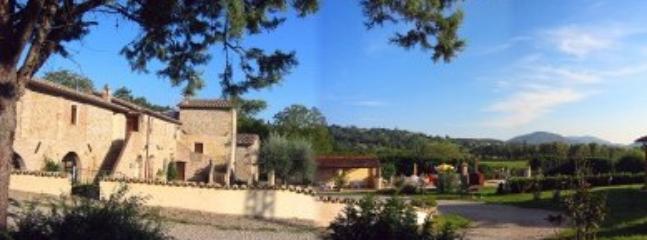 Villa Pavone D - Image 1 - Montone - rentals