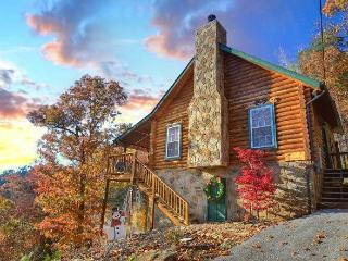 SERENDIPITY- Luxury 2/2- Gorgeous Mountain Views! - Pigeon Forge vacation rentals