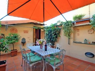 CR184 - SECRET GARDEN - Sacrofano vacation rentals