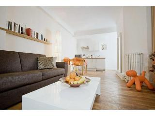 Apartments-4u_Montmartre Chic 01 - Paris vacation rentals
