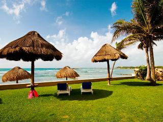 *10 STEPS TO THE BEACH 5 TO THE POOL, WIFI, DEALS! - Puerto Aventuras vacation rentals