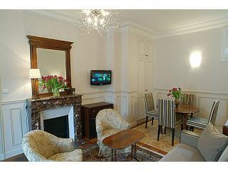 Living-dining room - Typical Parisian Apartment Near the Eiffel Tower in Paris - Paris - rentals