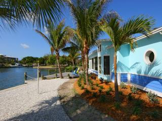 Honeyfish - a 4 bedroom luxury villa, with private pool on Anna Maria Island, Florida - Honeyfish, stunning views across Bimimi Bay! - Anna Maria Island - rentals