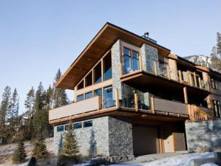 RockiesRentals.ca: Canmore's Largest Vacation Home - Canmore vacation rentals