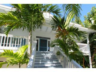 Welcome to Lemonfish! - Lemonfish, stunning and spacious 4-bed rental! - Anna Maria Island - rentals