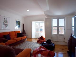 Apartment in Lisbon 37 - Alfama - Castelo Branco vacation rentals