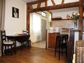 Saint Germain - Budget Studio (2213) - Paris vacation rentals
