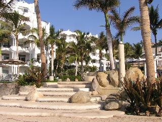 Mykonos, beach front, ocean front, best surfing! - San Jose Del Cabo vacation rentals