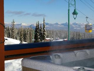 Glacier Lodge 103  Whitehorse Location in Big White Sleeps 5 - Big White vacation rentals