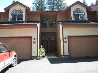 Spacious Aspen Village Condo with golf course views and club amenities. - Southwestern Idaho vacation rentals