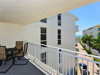 Excellent Gulf Side 2BR with new 37