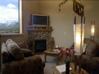 Downtown Penthouse, First Nation Artefacts - Canmore vacation rentals