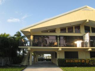 Lobster Weeks AVAIL.$1600 wk or 1 YR. $3000 mo. - Key Colony Beach vacation rentals