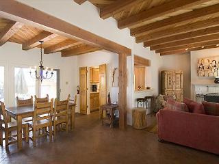 Puertas de Canyon Road - Santa Fe vacation rentals