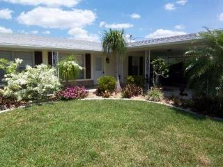 Canal Point - 2/1 Solar Heated Pool Villa, Gulf Access, High Speed Internet - Cape Coral vacation rentals