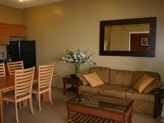 Waikiki Banyan Tower 1 Suite 3703 - Waikiki vacation rentals