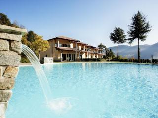 Tremezzo residence (Apt uno) Sleeps 8 - Tremezzo vacation rentals