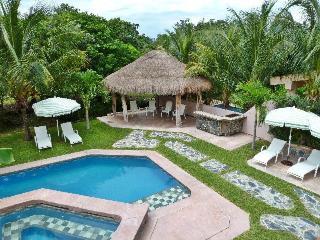 Golf Course Villa Yalku - Xpuha vacation rentals